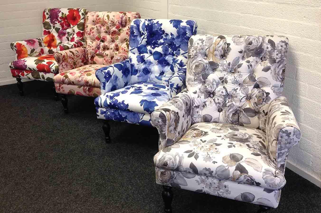 Grote fauteuil bloemen patroon/motief nieuw. zomerse kleuren in ...