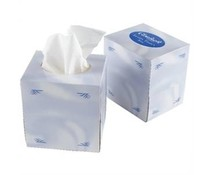 M&T Box with 70 paper towels cube