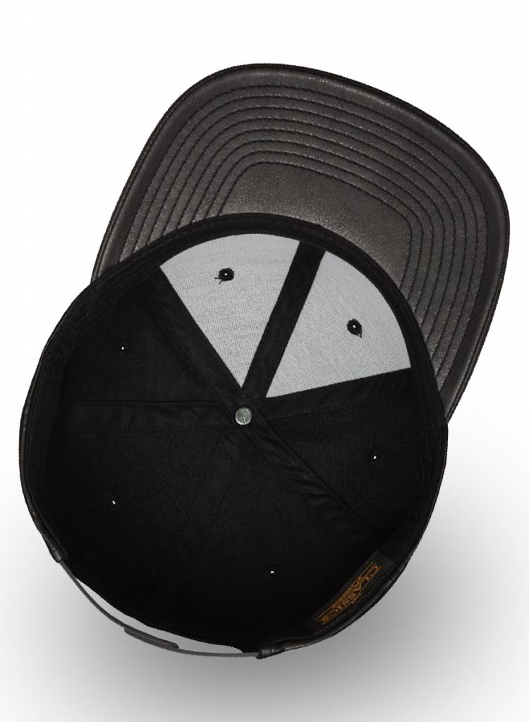 Yupoong Snapback Black Leather Black