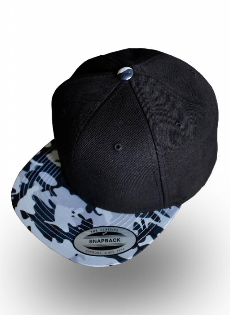 Yupoong Snapback Black Camo Grijs