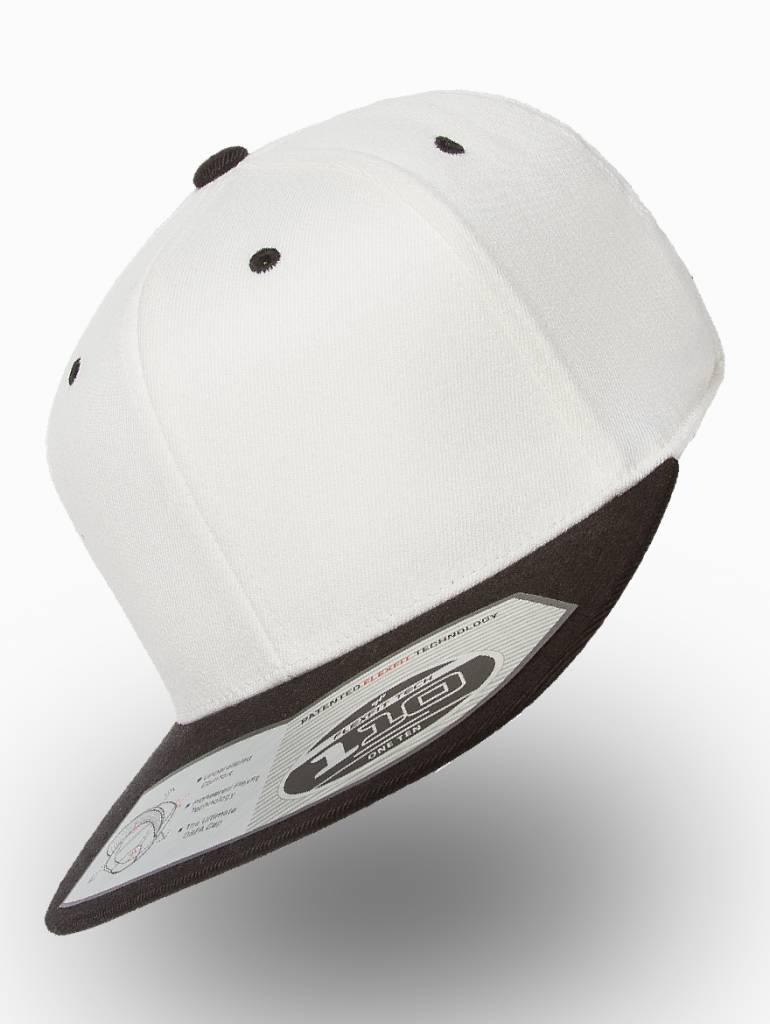 Yupoong Flexfit Snapback 110F White/Black