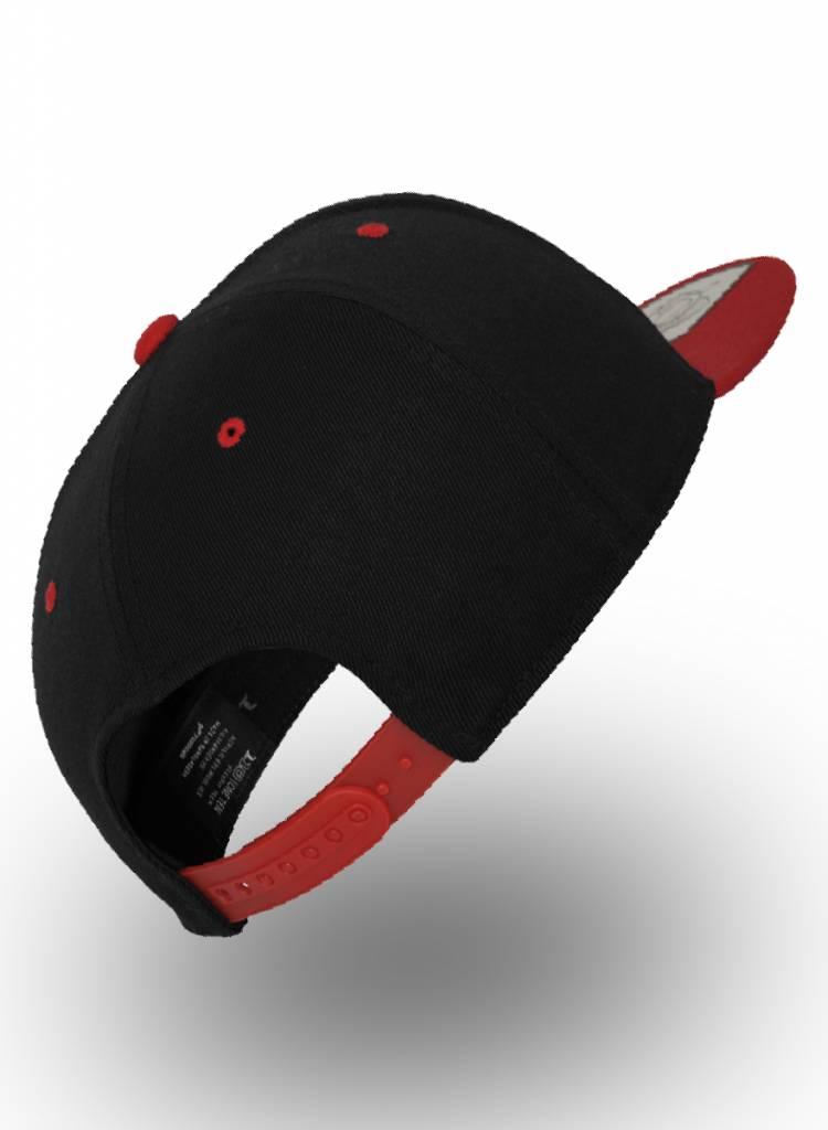 Yupoong Flexfit Snapback 110F Zwart/Rood
