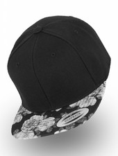 Yupoong Snapback Black Rose