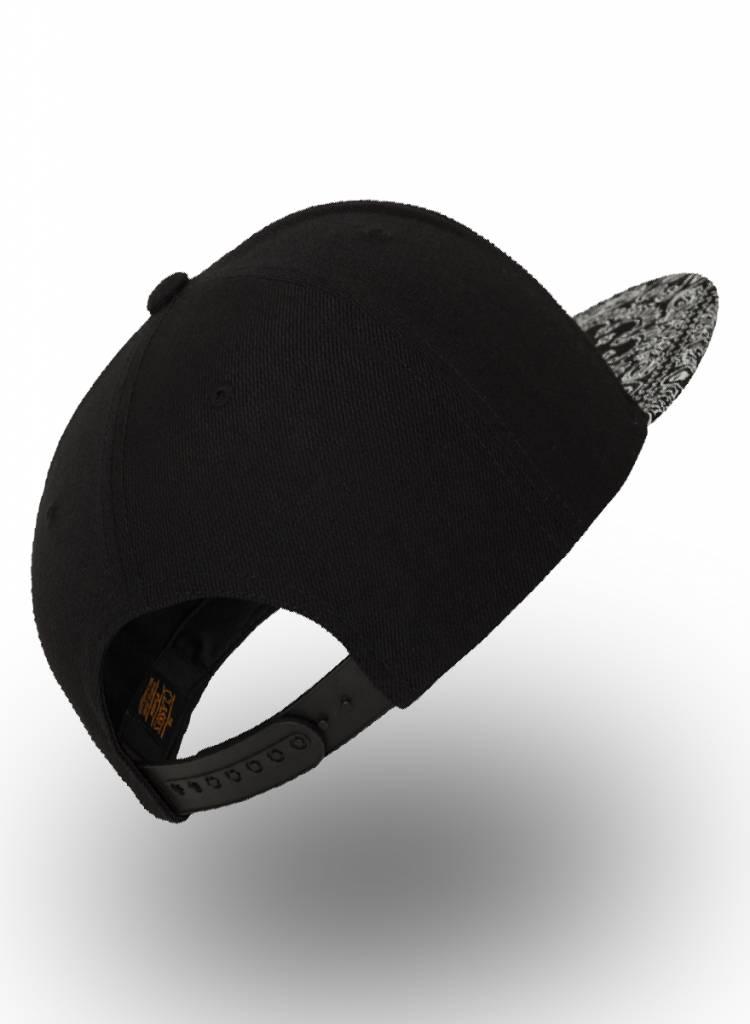 Yupoong Snapback Black Bandana Black