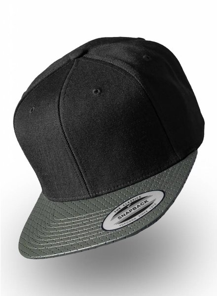Yupoong Perforated Visor Snapback Olive