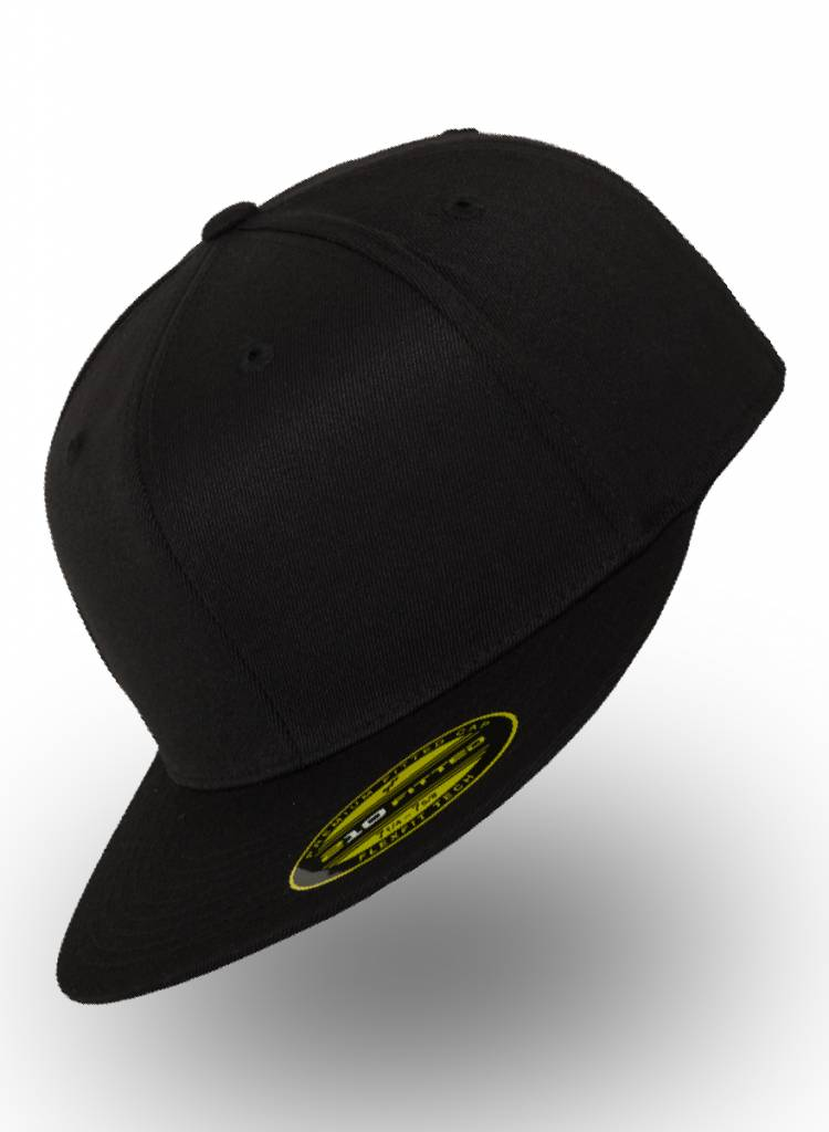 Yupoong Fitted Cap Black