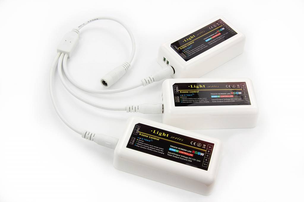 3-weg voedings-splitter met DC 5mm plug