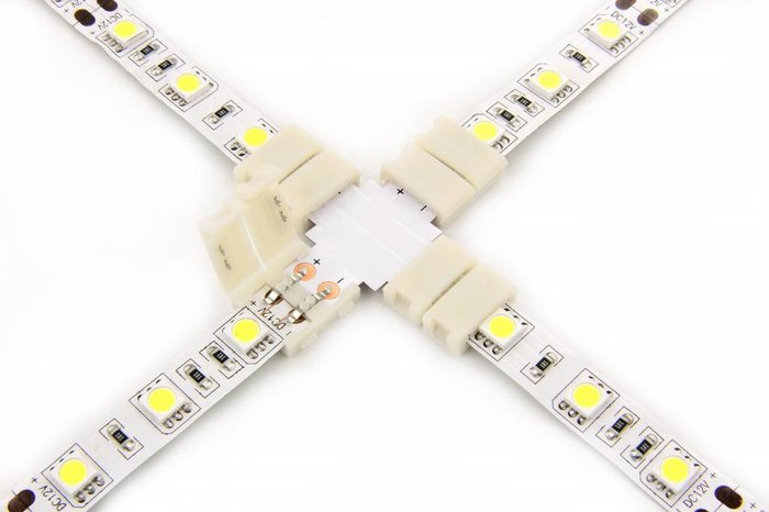 Witte LED strip X-connector