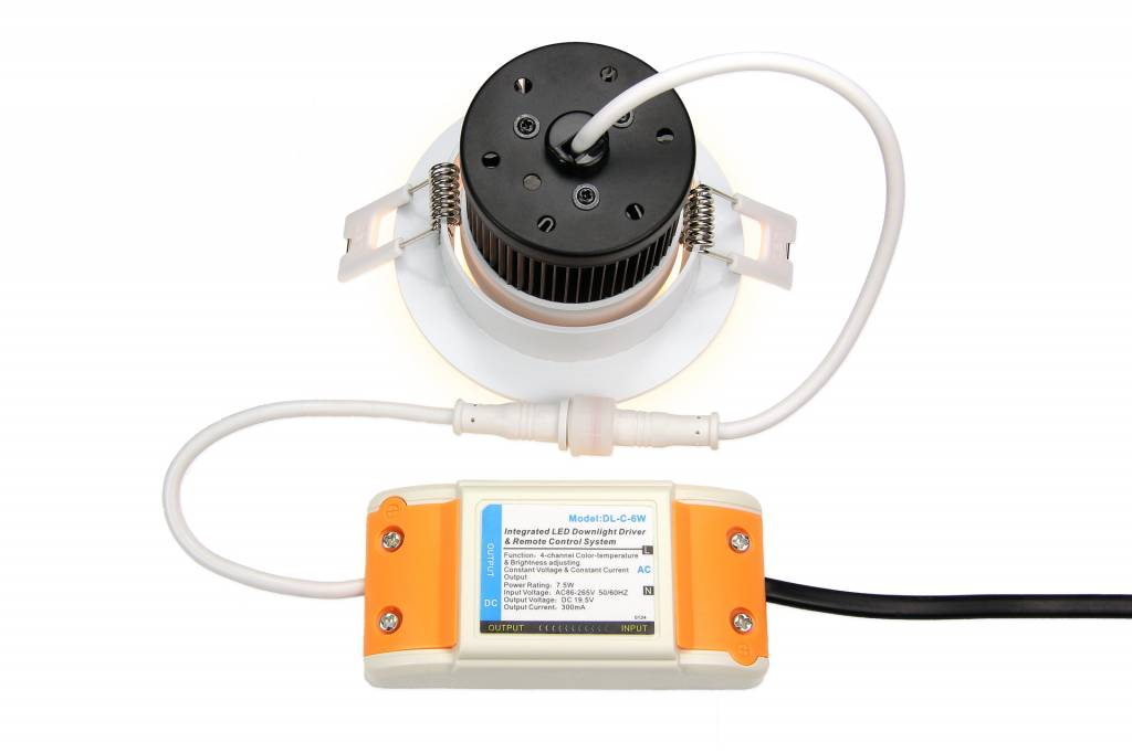 Mi·Light Mi-Light 6W Dimbaar Dual White LED Inbouwspot 220V. 30° Kantelbaar. Zilver Chroom Ø86mm