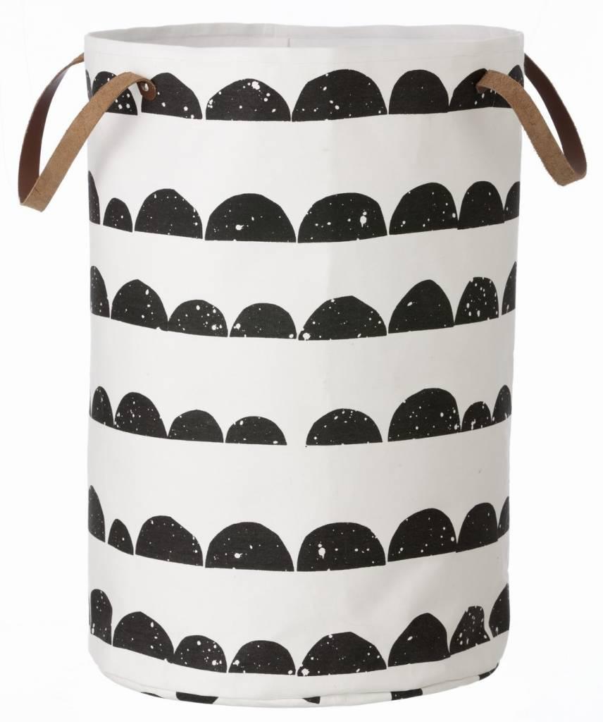 ferm living cesto della mezzaluna di cotone bianco nero. Black Bedroom Furniture Sets. Home Design Ideas
