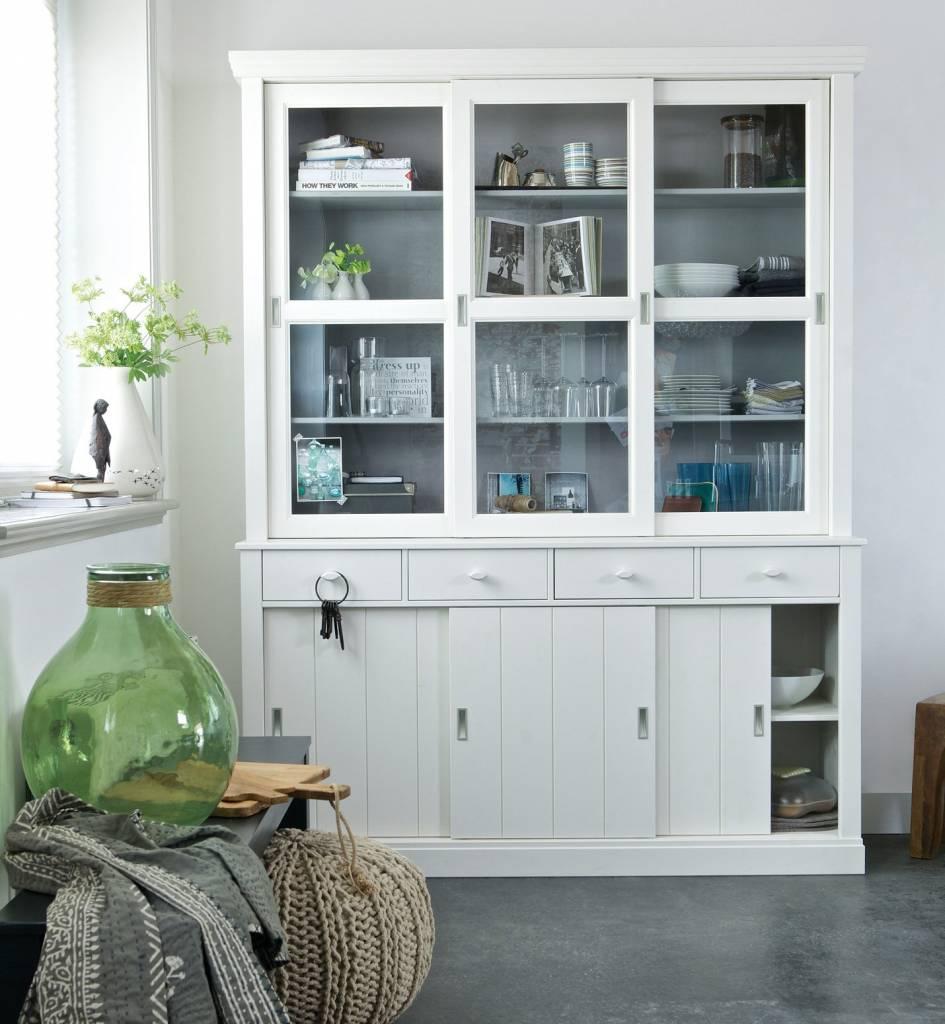 este gabinete de buffet es un derecho para su cocina comedor o sala de estar con un montn de espacio de y un aspecto