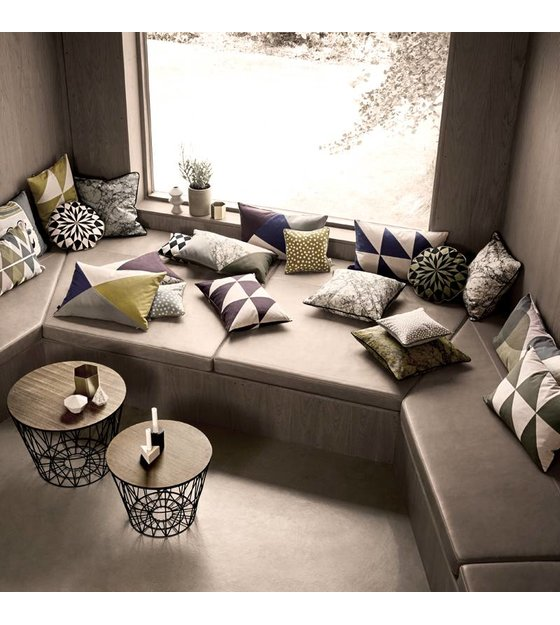 ferm living holzplatte f r metall korb aus eiche furnier. Black Bedroom Furniture Sets. Home Design Ideas