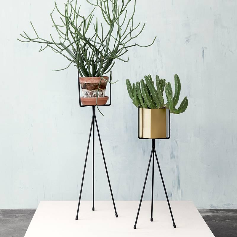 ferm living pflanzenst nder plant stand large 39 aus metall. Black Bedroom Furniture Sets. Home Design Ideas