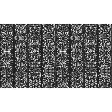 """NLXL-Studio Job Duvar kağıdı, beyaz / siyah, 900x48.7cm """"03 Perished"""""""
