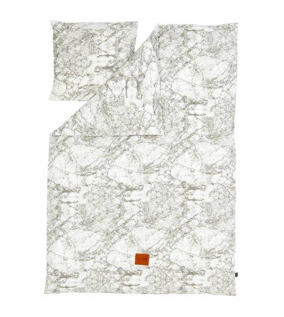 ferm living bettw sche 39 marble 39 aus baumwolle grau wei 140x200 cm adult. Black Bedroom Furniture Sets. Home Design Ideas