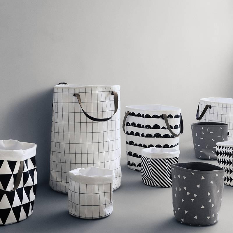 ferm living basket grid sort hvid 35x40cm. Black Bedroom Furniture Sets. Home Design Ideas