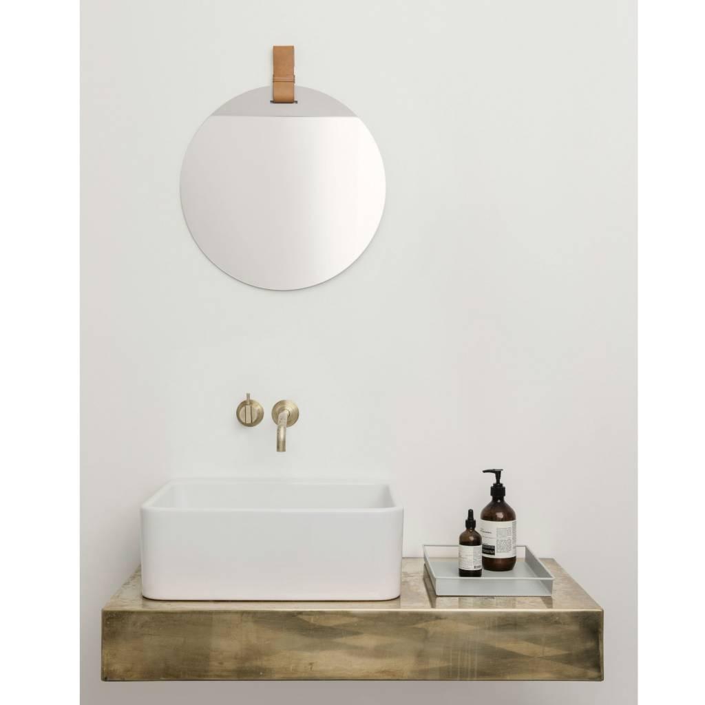 ferm living spiegel enter mit lederband large 45x52cm. Black Bedroom Furniture Sets. Home Design Ideas
