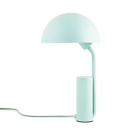 Normann Copenhagen Bordlampe Cap lyseblå plastik ø28x50cm