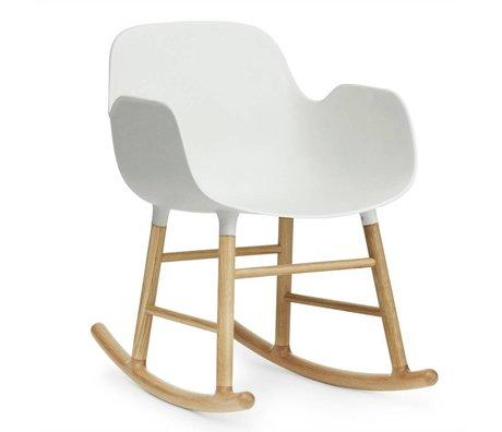 Normann Copenhagen mecedora con brazos forman plástico blanco 73x48x65cm madera de roble