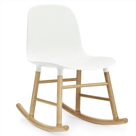 Normann Copenhagen Schaukelstuhl Form weiß Kunststof eichen Holz 73x48x65cm