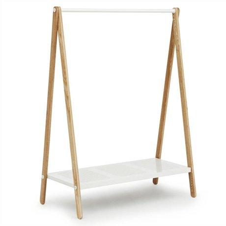 Normann Copenhagen Kleidungständer Toj in weiß aus Stahl und Eschenholz 160x120x59,5cm