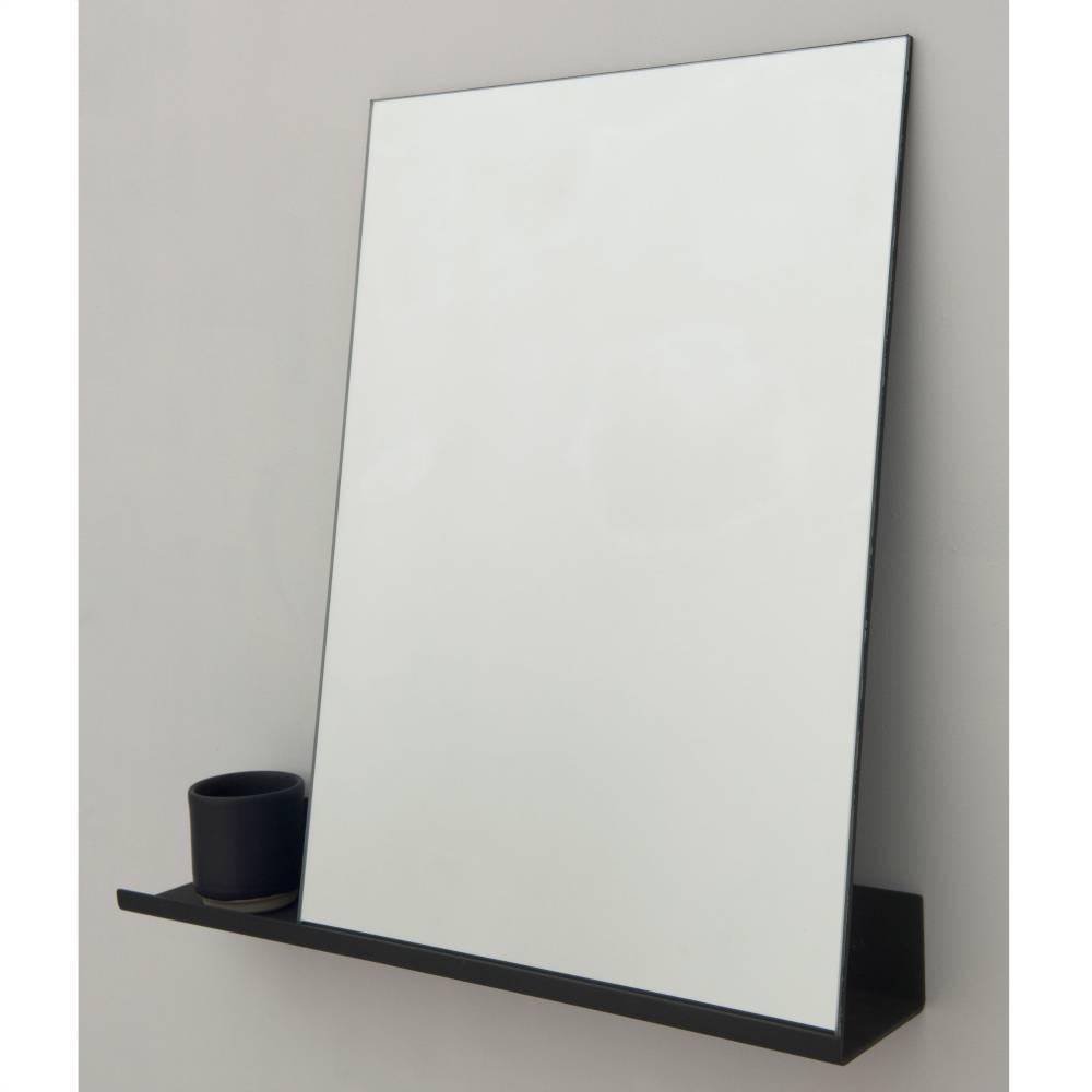 Frama shop mirror hylde sort aluminium 50x50cm for Miroir 50 x 50