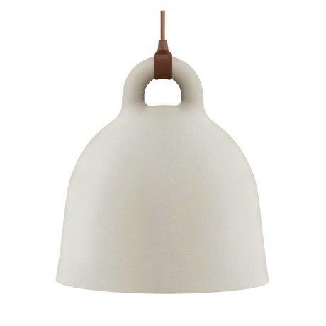 Normann Copenhagen Campana campana de arena marrón aluminio 44x42cm medio