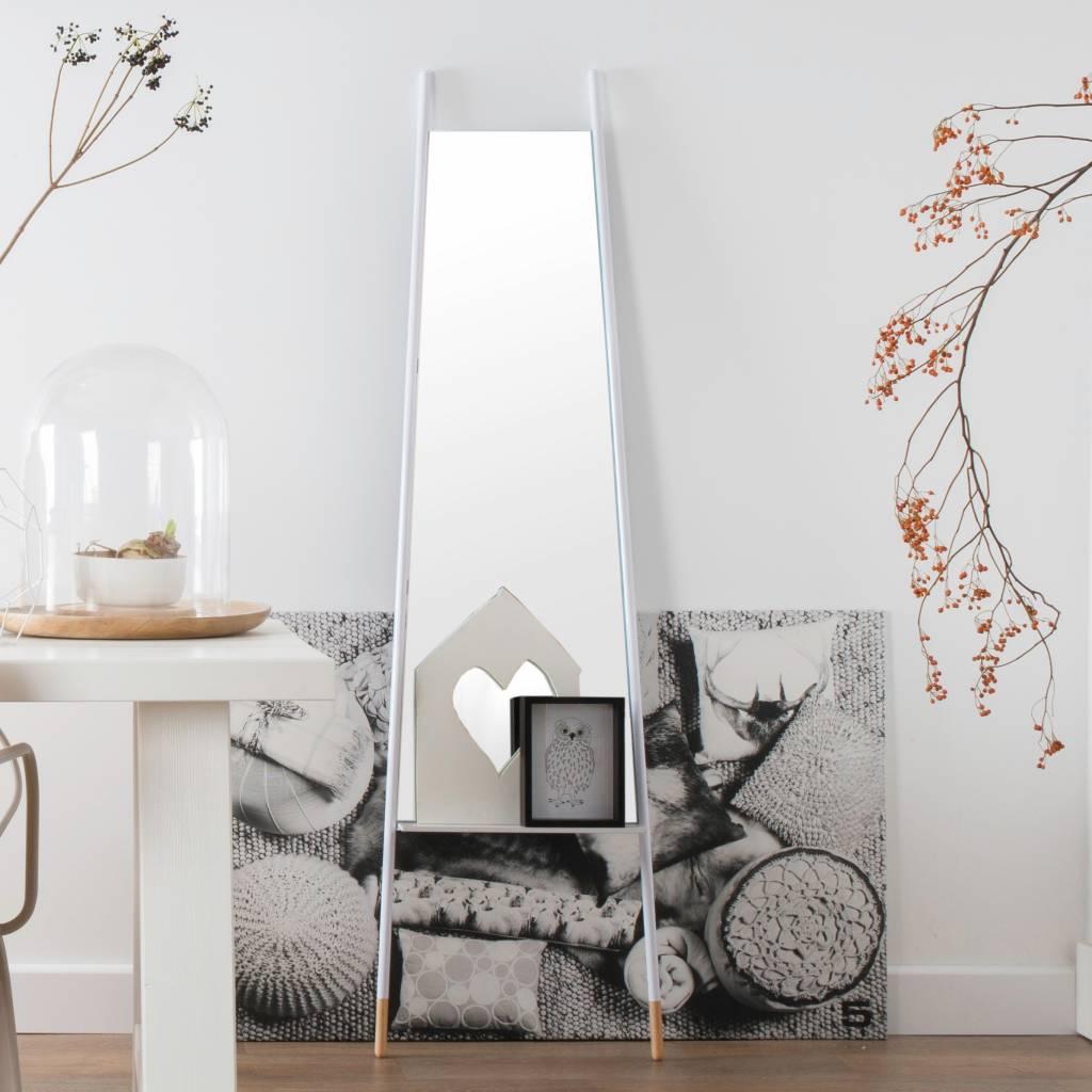zuiver schiefe spiegel wei metall wei 48x2x175cm. Black Bedroom Furniture Sets. Home Design Ideas