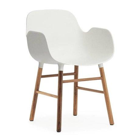 Normann Copenhagen Lehnstuhl Form weiß braun Kunststoff holz 56x52x80cm