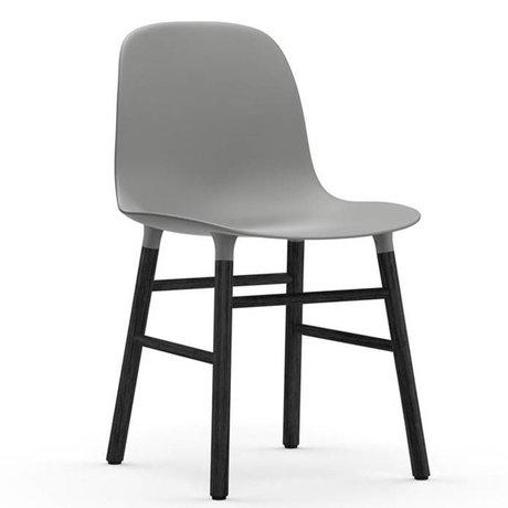 Normann Copenhagen Chaise forme gris bois plastique noir 48x52x80cm