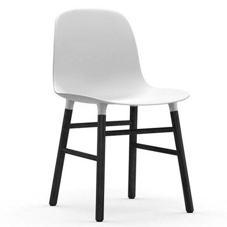 Normann Copenhagen Stuhl Form weiß schwarz Kunststoff Holz 48x52x80cm