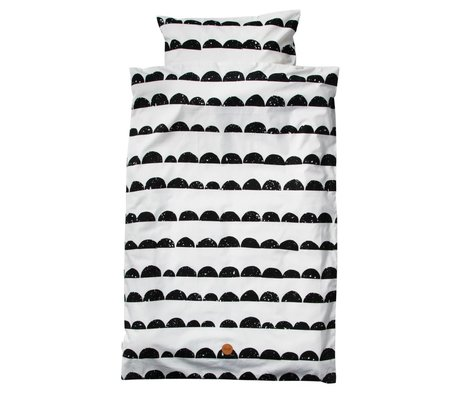 Ferm Living El lecho del bebé Media Luna Conjunto blanco y negro 70x100cm de algodón orgánico que incluye una funda de almohada 46x40cm