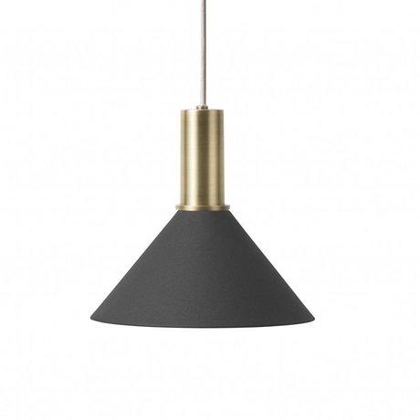 Ferm Living Hængelampe Cone Lavt sort messingfarvet guldmetal