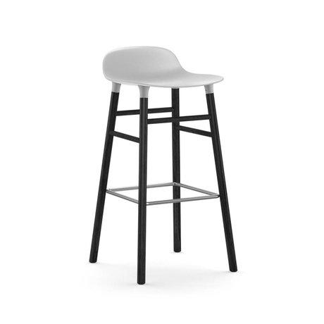 Normann Copenhagen Barstool hvid form 53x45x87cm sort plast tømmer