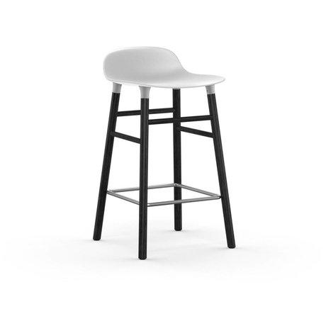 Normann Copenhagen Barstool bir şekilde beyaz, siyah 43x42,5x77cm plastik ahşap