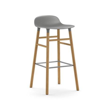 Normann Copenhagen De taburete de plástico gris 87x40,8x42,2cm madera de roble