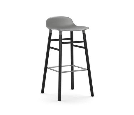 Normann Copenhagen Barstuhl Form grau schwarz Kunststoff Holz 53x45x87cm