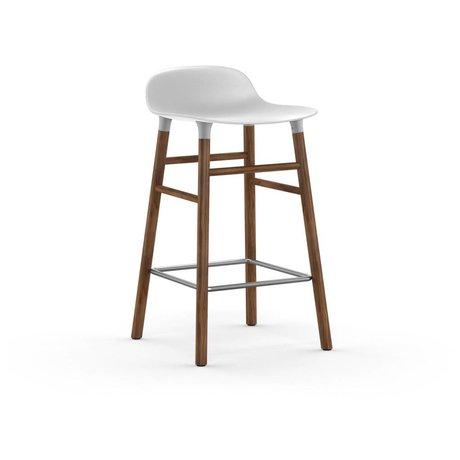 Normann Copenhagen Barhocker Form weiß Kunststoff Walnussholz 77x40,8x42,2cm