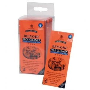 CDM Belvoir Tack Cleaner Wipes 15 stuks Step 1