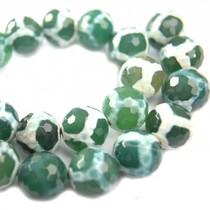 Groen Agaat facet donker groen wit 14mm