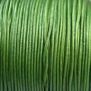 Groen Leer rond groen parelmoer 1mm - per meter