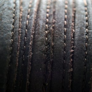 Bruin Druppelvormig Stitched leer donker bruin å±8x5mm