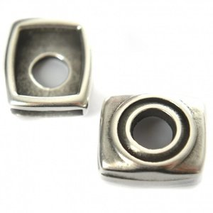 Zilver Leerschuiver vierkant Ø13x2mm leer metaal zilver DQ 20x18mm