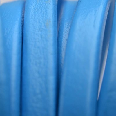 Blauw Ovaal leer 10x6mm blauw