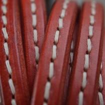 Rood Ovaal leer 10x6mm stiksel rood