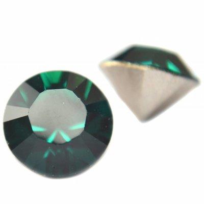 Groen Swarovski puntsteen SS39 Emerald