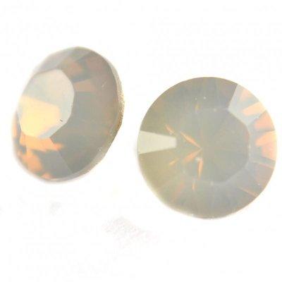 Grijs Swarovski puntsteen SS39 Light Grey Opal