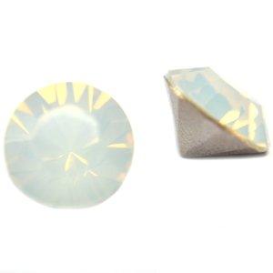 Wit Swarovski puntsteen SS29 White Opal