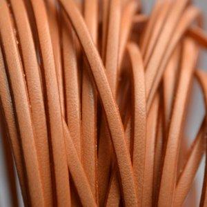 Oranje Plat leer 3mm peach - per 10cm