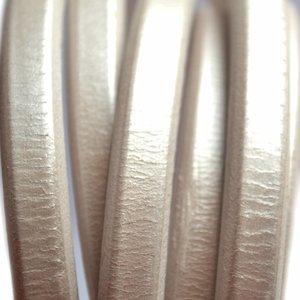 Grijs Ovaal leer 10x6mm zilver metallic - per cm